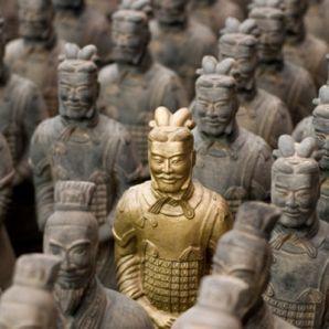 25 lingots d'or chinois dans un plafond