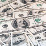 Dollar fort ou dollar faible, l'or en arbitre